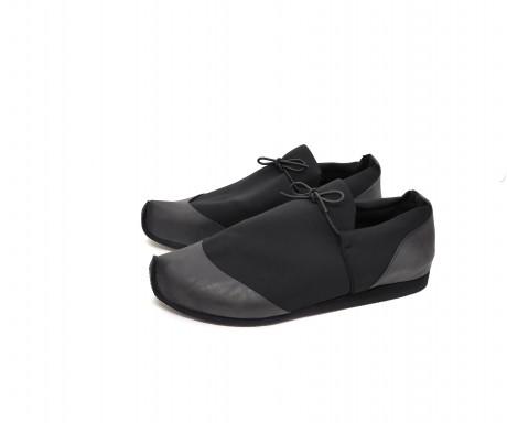 נעל ספורט נמוכה שחורה - טבעוני