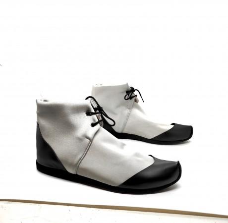 נעל ספורט שרוכים כסופה גובה קרסול - טבעוני