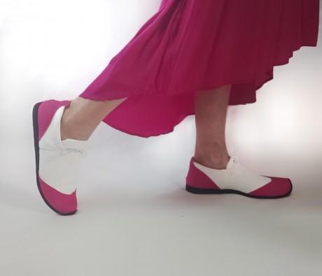 נעל ספורט נמוכה לבן + פוקסיה - טבעוני