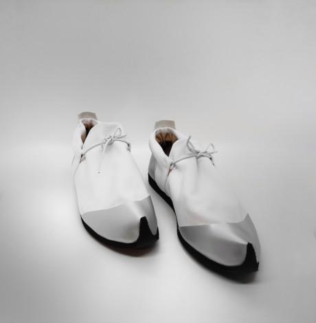נעל ספורט נמוכה לבן + כסף - טבעוני