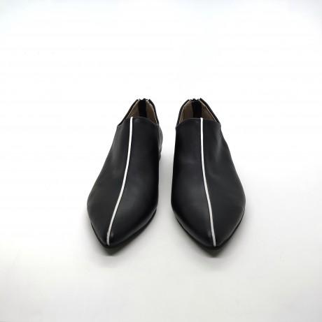 נעל שפיץ פספול שחור לבן