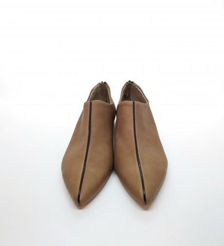 נעל שפיץ פספול קאמל שחור